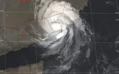 الصورة: السعودية تعلن انتهاء الفترة الحرجة للإعصار من دون خسائر