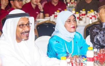 الصورة: رئيسة سنغافورة تحضر حفل إفطار سفارة الإمارات في دار للأيتام