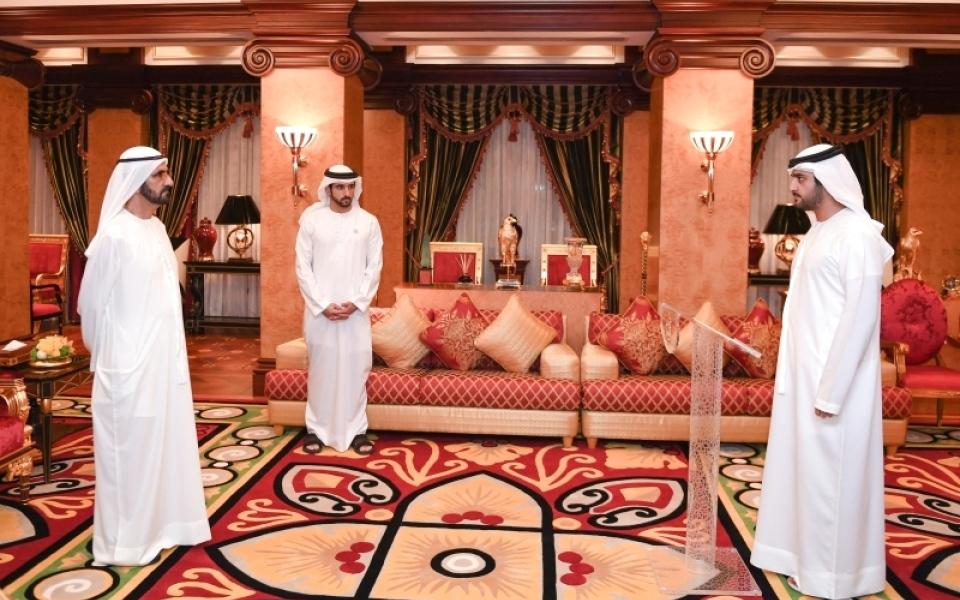 الصورة: أمام محمد بن راشد.. مكتوم بن محمد يؤدي اليمين رئيساً لجهاز الرقابة المالية في دبي