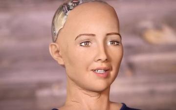 الصورة: 2045 عام زواج البشر بالروبوتات