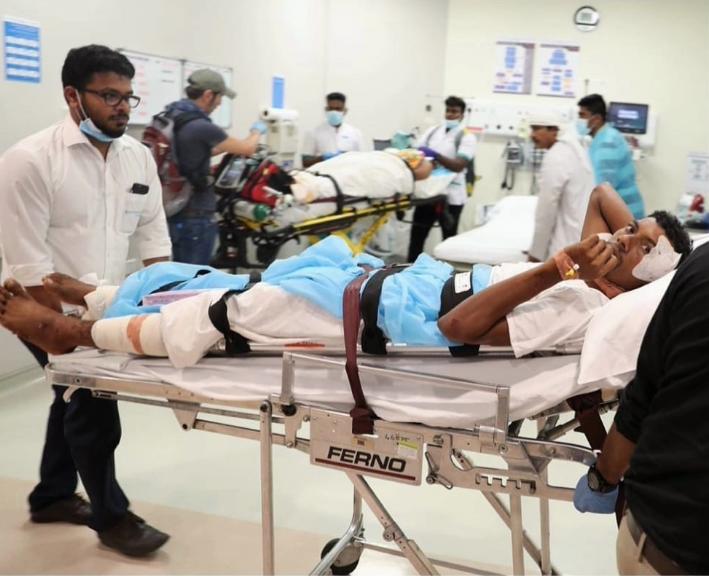 """الإمارات تغيث 17 يمنياً جراء اعصار """"مكونو"""""""