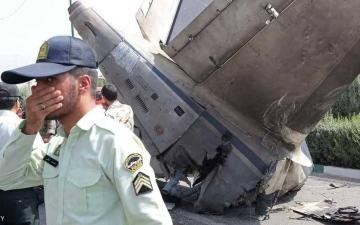 الصورة: تحطم طائرة عسكرية إيرانية في أصفهان