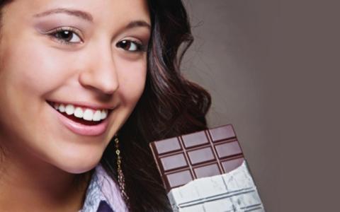 الصورة: علماء بريطانيون يبتكرون شوكولاته تزيل التجاعيد