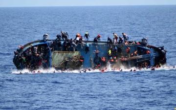 الصورة: انتشال جثث 11 مهاجراً وإنقاذ 67 آخرين قبالة السواحل الجنوبية لتونس