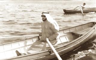 الصورة: زايد والبحر..   الحفاظ على الجذور وإرث الأجداد