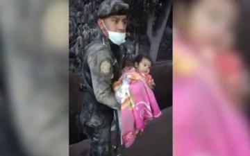 الصورة: بالفيديو.. العناية الإلهية تنقذ طفلة من بركان غواتيمالا