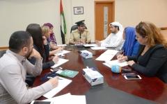 الصورة: شرطة دبي تضبط 33 آسيوياً تخصّصوا  في اتّصالات الربح الوهمي
