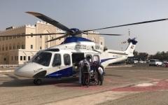 الصورة: شرطة أبوظبي تنقل طفلة مريضة جواً إلى مستشفى خليفة