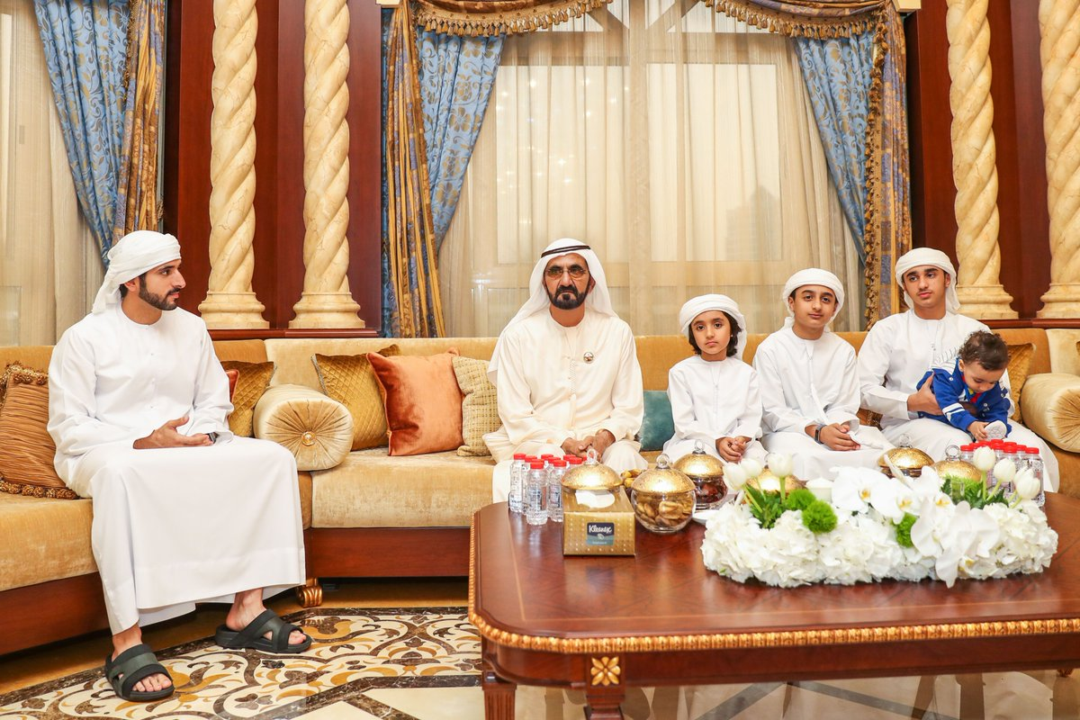 محمد بن راشد يحضر مأدبة إفطار خليفة سليمان