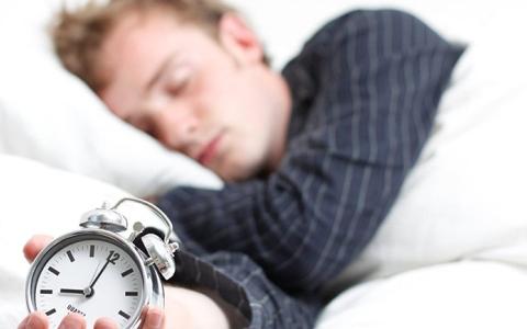 الصورة: النوم 10 ساعات يزيد احتمالات الوفاة المبكرة
