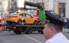 الصورة: سيارة تدهس حشداً في موسكو