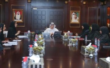 الصورة: اللجنة النسائية في «كهرباء دبي» تستعرض إنجازاتها وبرامجها