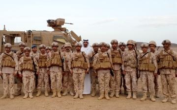 الصورة: شخبوط بن نهيان يزور قواتنا في الحد الجنوبي للسعودية