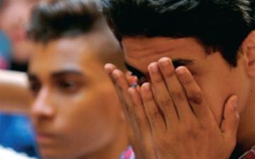 الصورة: المصريون يعرضون تذاكرهم للبيع