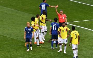 الصورة: لاعب كولومبيا مهدد بالقتل عقب طرده أمام اليابان
