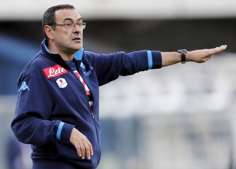 Football Soccer - Hellas Verona v Napoli - Bentegodi stadium, Verona, Italy- 22/11/15 Napoli's coach Maurizio Sarri gestures. REUTERS/Alessandro Garofalo