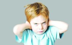 الصورة: قلق الآباء.. يؤثر في مخ الأطفال