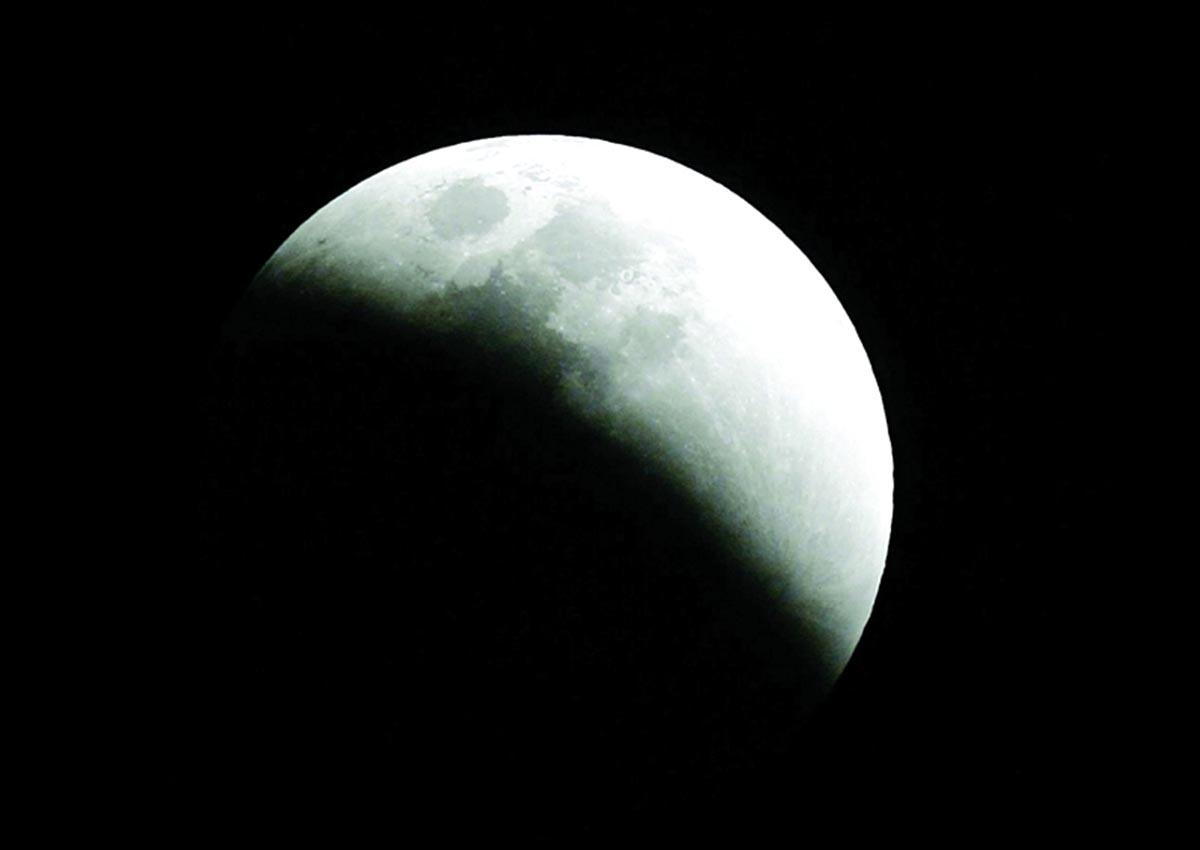 f569d0cf9d9e8 الإمارات تشهد خسوفاً كلياً للقمر يوليو المقبل - البيان