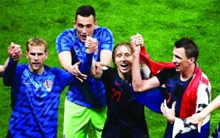 الصورة: الكرواتيون يحتفون بـ«العبقري» مودريتش
