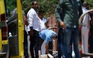 """الصورة: الأمن المصري يضبط المتهمتين بإلقاء جثث """"أطفال المريوطية"""" بالشارع"""