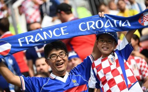 الصورة: جماهير فرنسا وكرواتيا في نهائي المونديال
