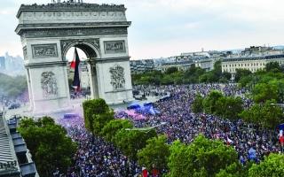 الصورة: ماكرون: فخور جداً بالمنتخب الفرنسي