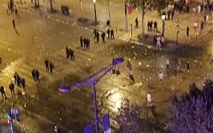 الصورة: بالفيديو.. الشرطة الفرنسية تشتبك مع جماهير «المونديال» وتخلي الشانزليزيه