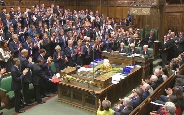 الصورة: البرلمان يصوّت لمصلحة خطة ماي بشأن مغادرة الاتحاد الأوروبي
