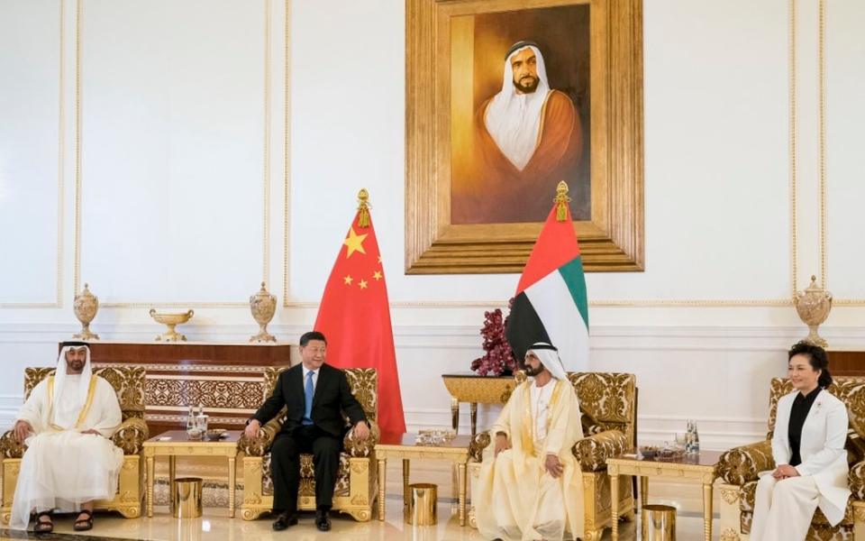 الصورة: محمد بن زايد: زيارة الرئيس الصيني تاريخية وتوثق التعاون بين البلدين
