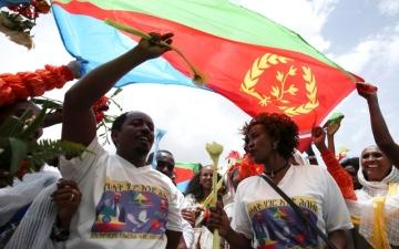 الصورة: إريتريا تسحب قواتها من الحدود الإثيوبية