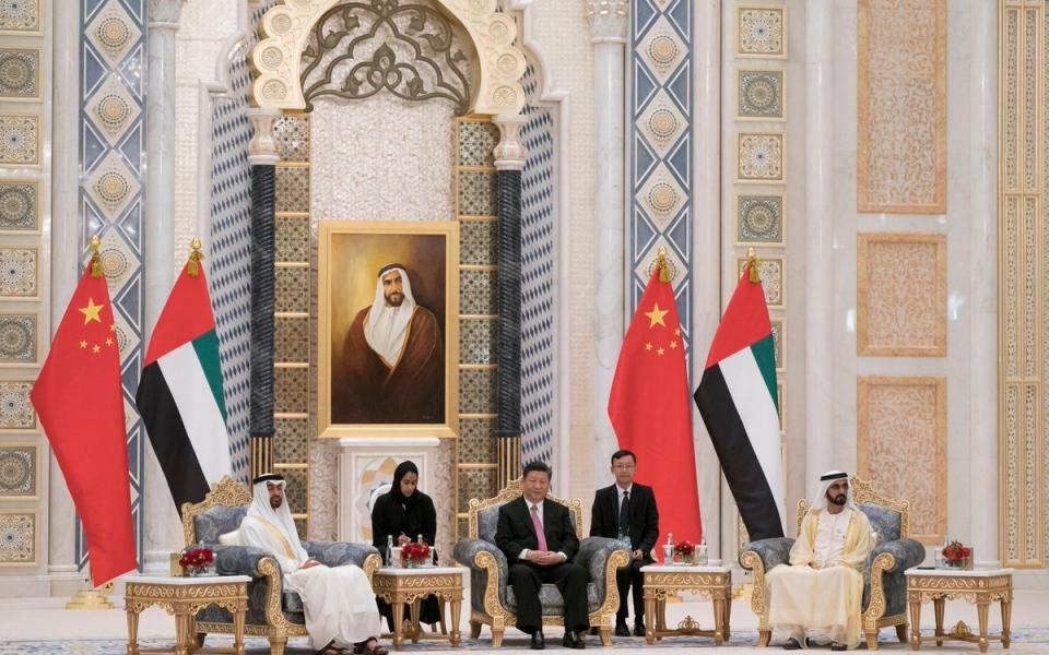 الصورة: الإمارات والصين توقعان 13 اتفاقية ومذكرة تفاهم