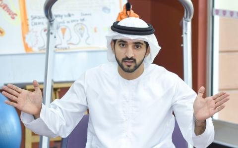 الصورة: حمدان بن محمد يتكفل بعلاج خليفة بن دعفوس