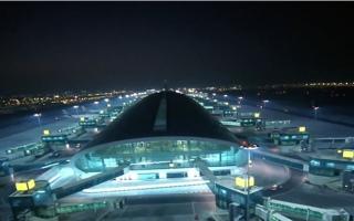 الصورة: مطار دبي.. أرقام قياسية تحلق في فضاء الإنجازات
