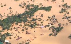 الصورة: كارثة في لاوس وفقدان المئات إثر انهيار سد