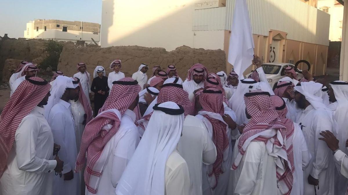 (فيديو) سعودي يعفو عن قاتل ابنه قبل لحظات من اعدامه