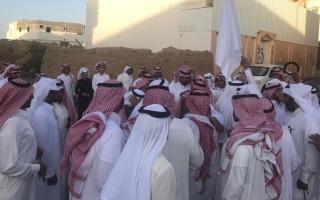 الصورة: (فيديو) سعودي يعفو عن قاتل ابنه قبل لحظات من اعدامه
