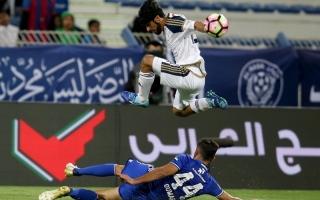 الصورة: دوري 14 فريقاً لا يخدم كرة الإمارات