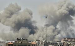 الصورة: شهيدان و256 جريحا برصاص الاحتلال بغزة