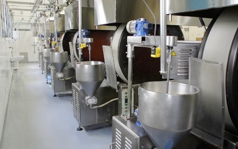 الصورة: زيت الطبخ يمنع التصاق البكتيريا بآلات الأغذية