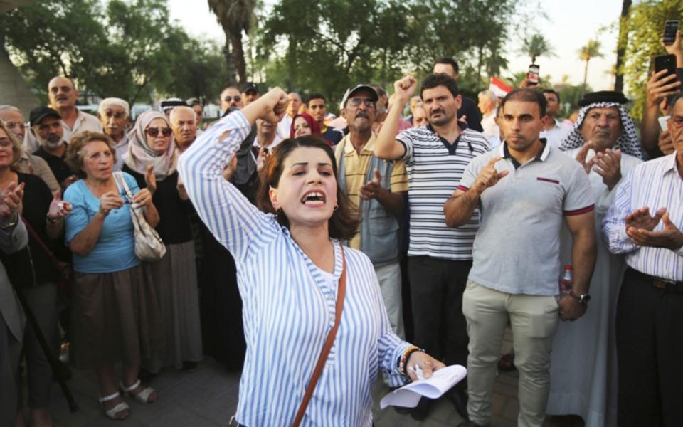 الصورة: مقتل 12 من «الحشد» بانفجار مخزن ذخيرة وهجوم داعشي على حقول النفط