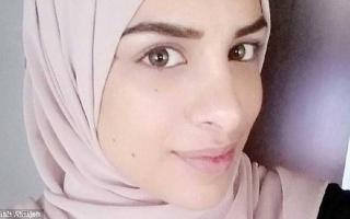 """الصورة: تعويض سويدية مسلمة """"عوقبت"""" لرفضها مصافحة رجل"""