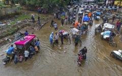 الصورة: ارتفاع ضحايا فيضانات الهند إلى 357 قتيلاً