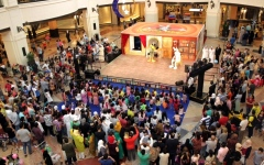 الصورة: أجواء احتفالية وترفيه   في «سيتي سنتر ديرة»