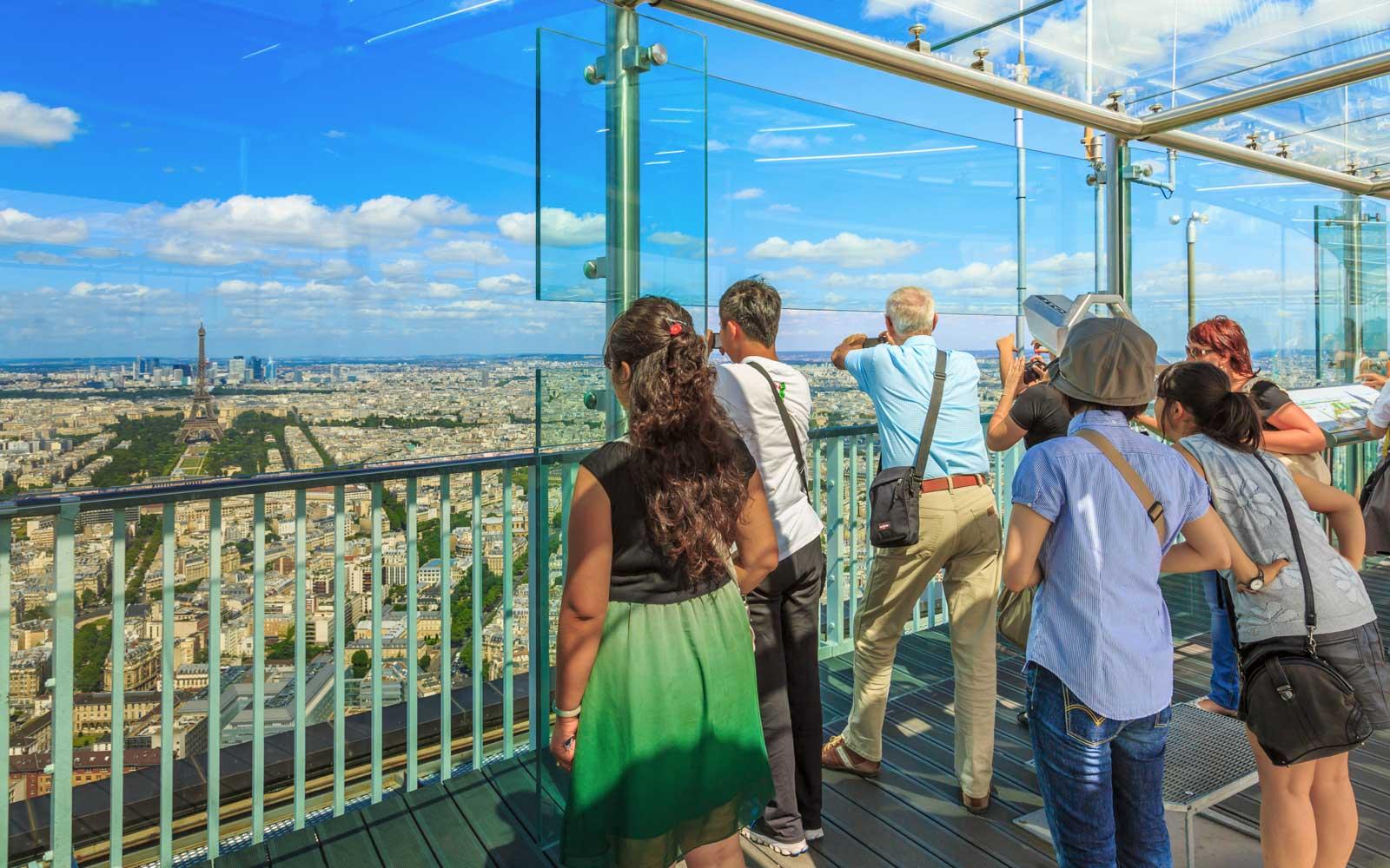 الصورة : برج مونبارناس في باريس