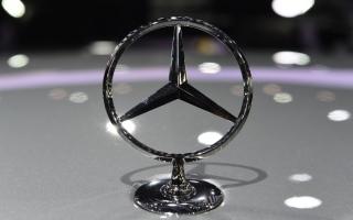 """الصورة: مرسيدس تقدم أول سيارة """"إس.يو.في"""" كهربائية من إنتاجها"""