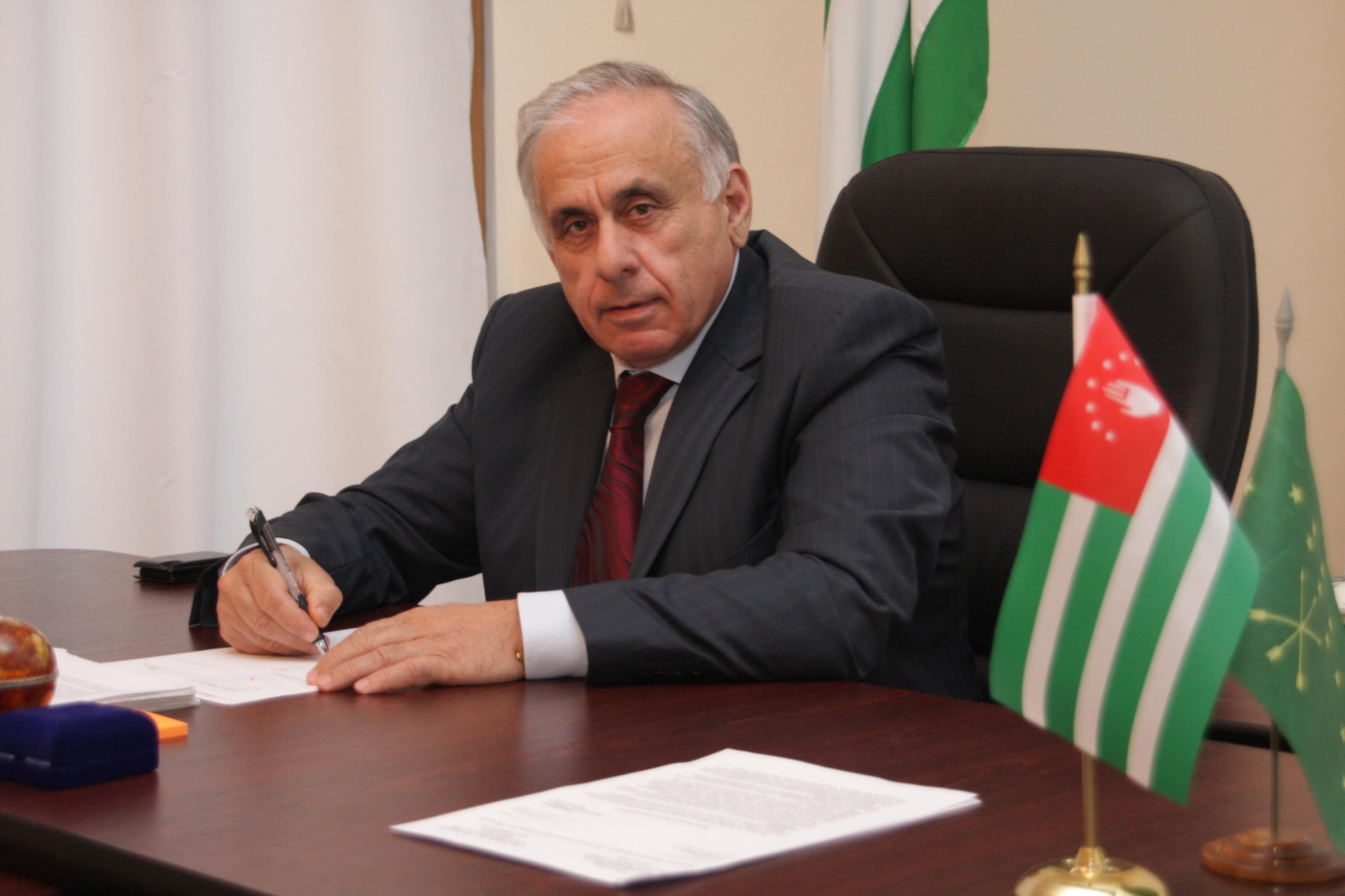 مقتل رئيس وزراء أبخازيا في حادث سير