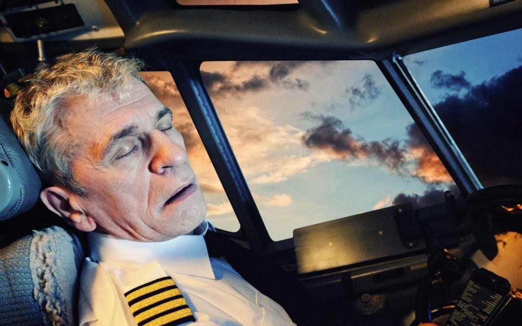 طيار يغفو لأكثر من ساعة على متن رحلة من أميركا إلى اسكتلندا