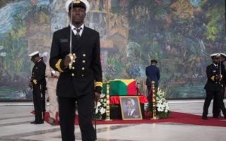 الصورة: قادة ورؤساء دول العالم يودعون كوفي عنان في جنازة مهيبة