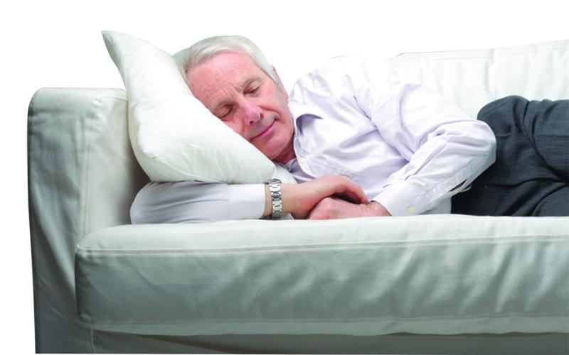 الصورة: نوم القيلولة قد ينقذ حياتك