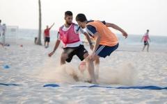 الصورة: 20 لاعباً لمعسكر أبيض الشواطئ استعداداً لكأس القارات